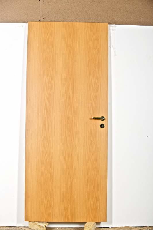 купить входные двери за 6000