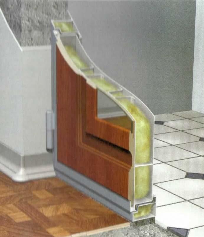 железная дверь во внутрь помещения