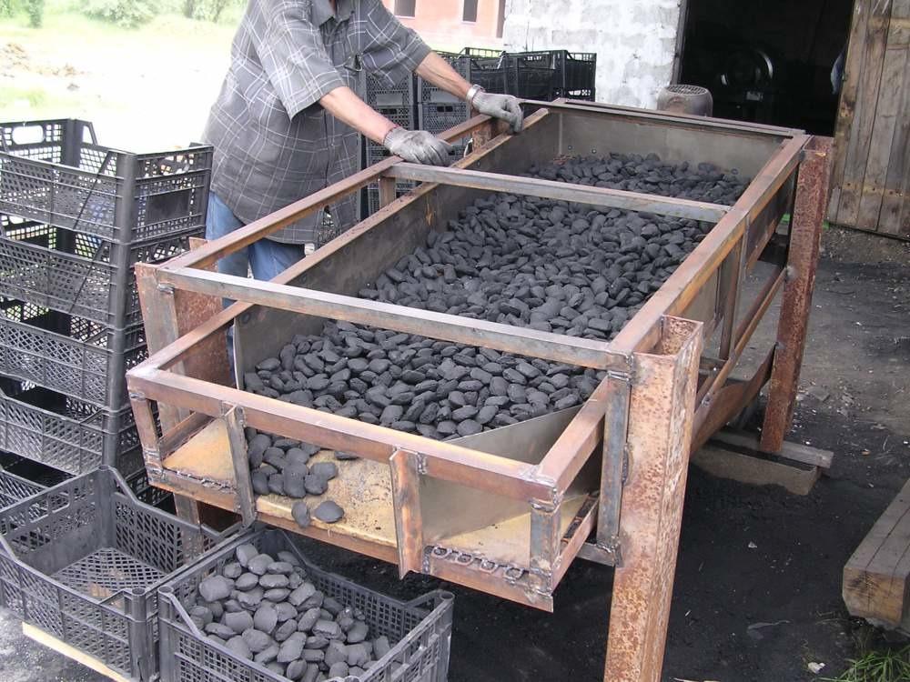 Угольные брикеты для мангала