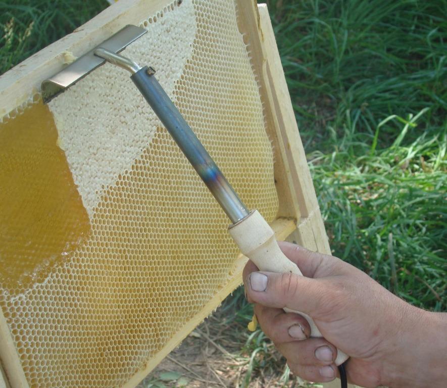 Своими руками приспособления для пчеловодства